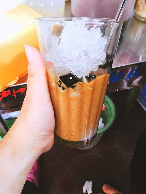Cà phê cốt dừa cô Hạnh