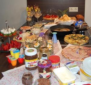 buffet selber machen fingerfood buffet selber machen kreative rezeptideen party buffet selber. Black Bedroom Furniture Sets. Home Design Ideas