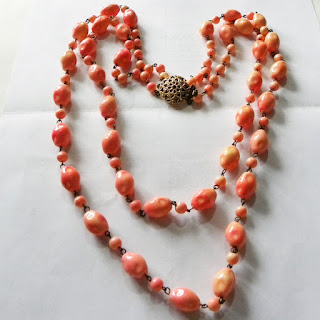 Coral bead necklace 1960s