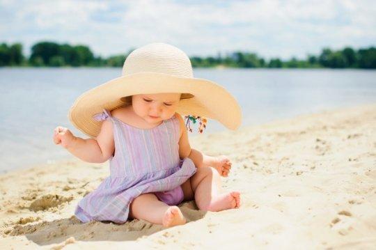 Тепловой удар: как уберечься самим и уберечь ребенка во время жары