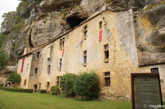 La facciata del Castello del Perigord Maison Forte de Reignac