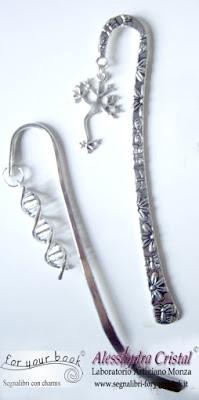 segnalibro metallo ciondolo DNA neurone