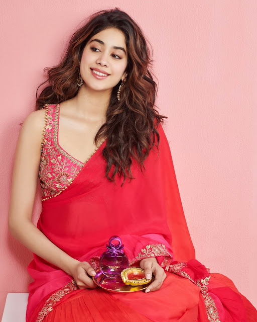 Janhvi Kapoor  (Indian Actress) Wiki, Bio, Age, Height, Family, Career, Awards, and Many More