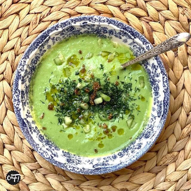 Soupe d'avocat froide et huile croquante à l'ail (Ottolenghi)