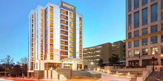 Enjoy Southern-style eats, a heated indoor pool, and Wi-Fi while staying in the heart of the city at Hyatt Centric Midtown Atlanta.