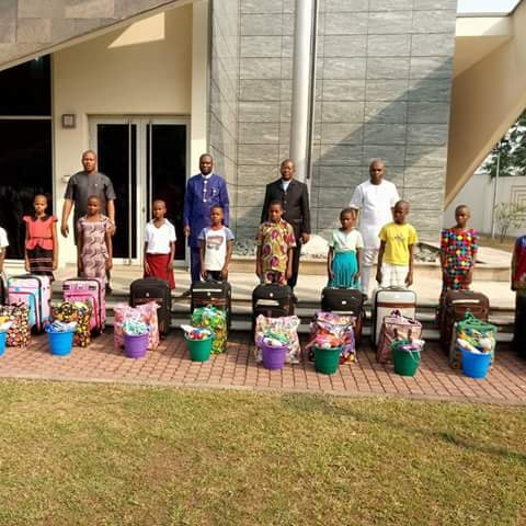 GOVERNOR UDOM EMMANUEL SPONSORS 11 INDIGENT STUDENTS TO TOWER OF IVORY SCHOOL
