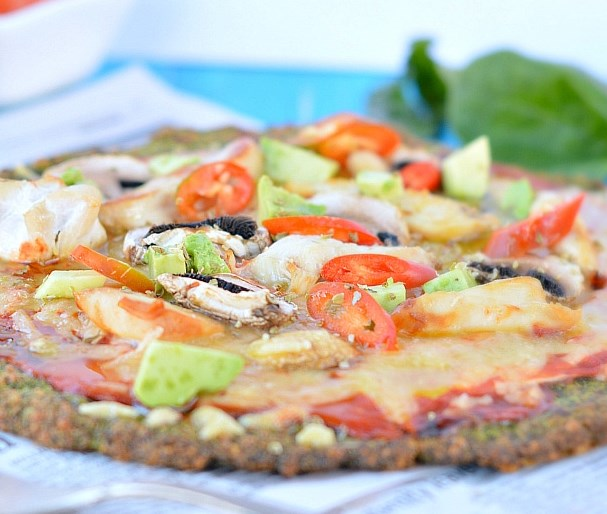 KALE PIZZA CRUST – KETO + LOW CARB #healthy #diet