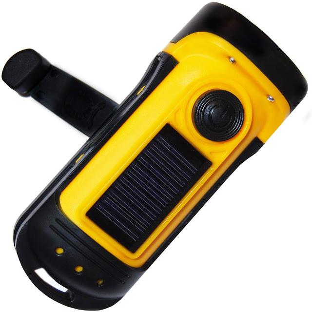 """افضل كاشف محمول """"PrimalCamp Hand Crank Solar Powered Flashlight"""""""