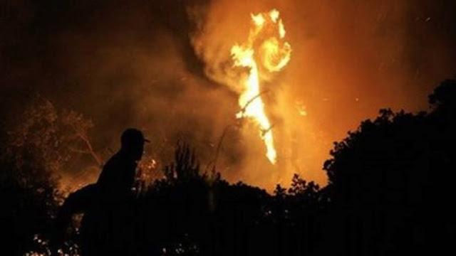 Εφιαλτική νύχτα από τη μεγάλη φωτιά στο Λουτράκι - Εκκενώθηκαν μοναστήρια - Στη μάχη και ο στρατός (βίντεο)