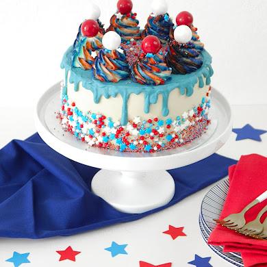 Gâteau Layer Cake en Bleu, Blanc et Rouge