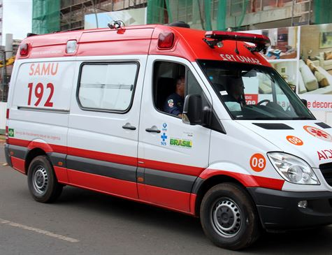 Idosa morre atropelada por ambulância do Samu