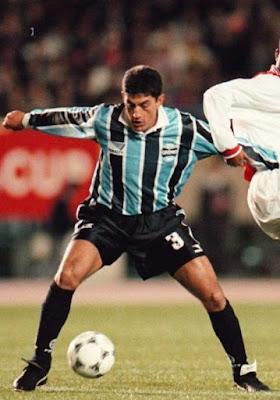 Rivarola atuando pelo Grêmio.