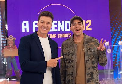 Rodrigo Faro (esq.) e Lucas Maciel (dir.). Crédito: Antonio Chahestian/Record TV