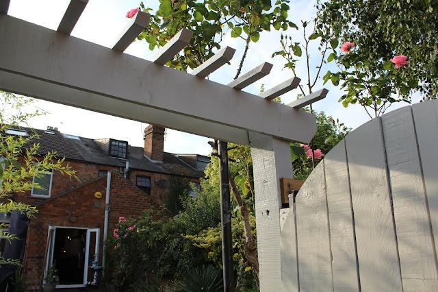 How to build a pergola over a gate