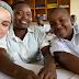 Selena Gomez sai fazendo missões na África: 'Servir é o maior presente'