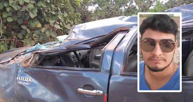 Hilux capota, mata filho de ex-vereador e deixa 3 feridos em rodovia de MT