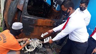 Polsek Daek Lingga Melakukan Rekontruksi Kasus Pembakaran Mobil