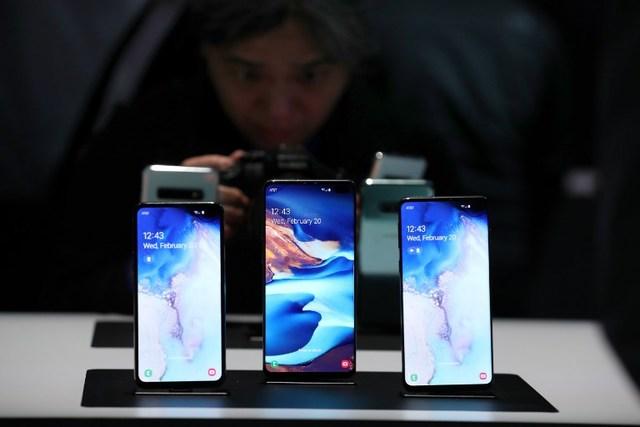 مبيعات الهواتف الذكية تشهد انتعاشًا متواضعًا بعد تراجع استمر عامين