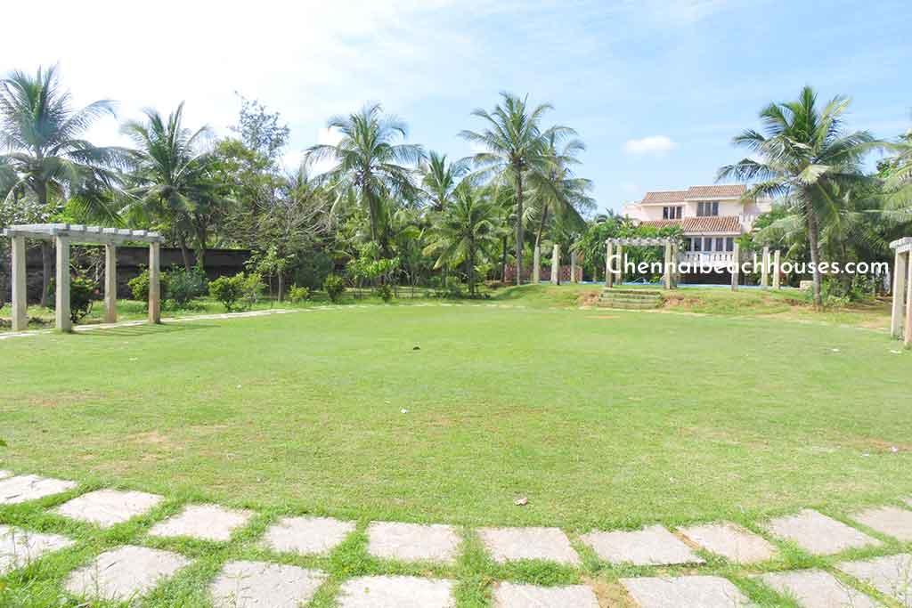 beach party lawn in ecr