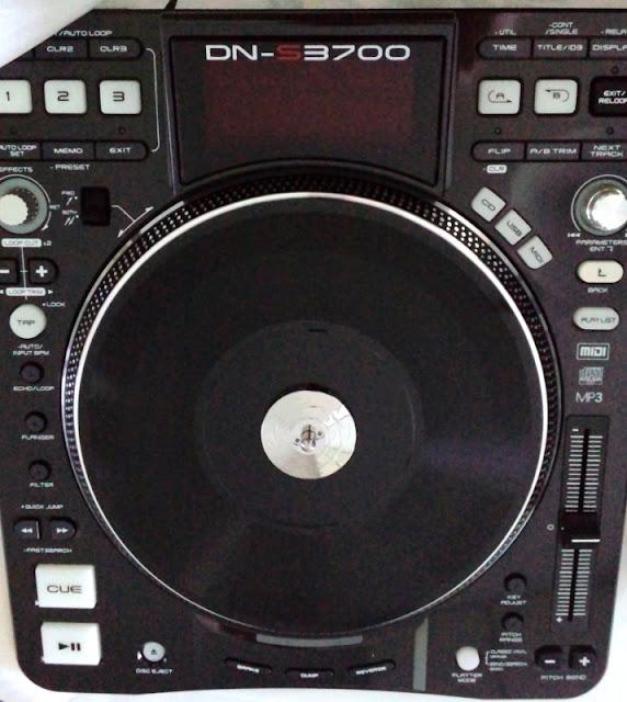 DenonのCDJ、dn-s3700の完成形。