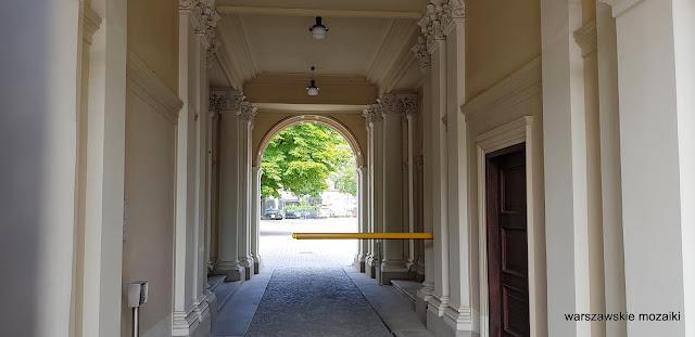 Warszawa Warsaw kamienica Pod Gryfami Fuchs renesans włoski architecture architektura warszawskie kamienice przejście bramne