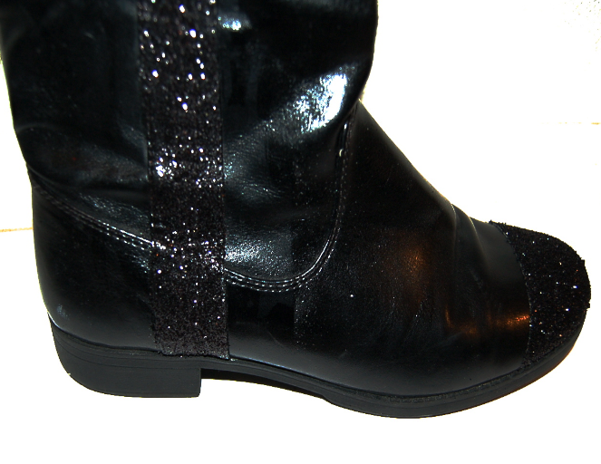 Color Me Courtney - diy friday: glitter boots