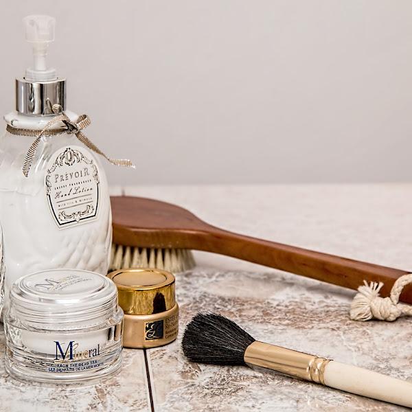 Cara Memilih Produk Skincare yang Aman dan Halal, dan Rekomendasi Produk Skincare