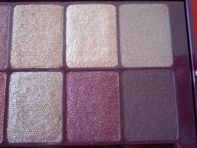 Maybelline The Burgundy Bar palette, 6 shades to the right