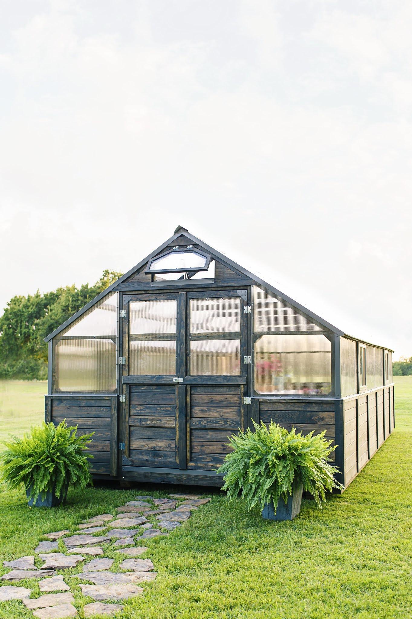 Fully Assembled Yoderbilt Greenhouse