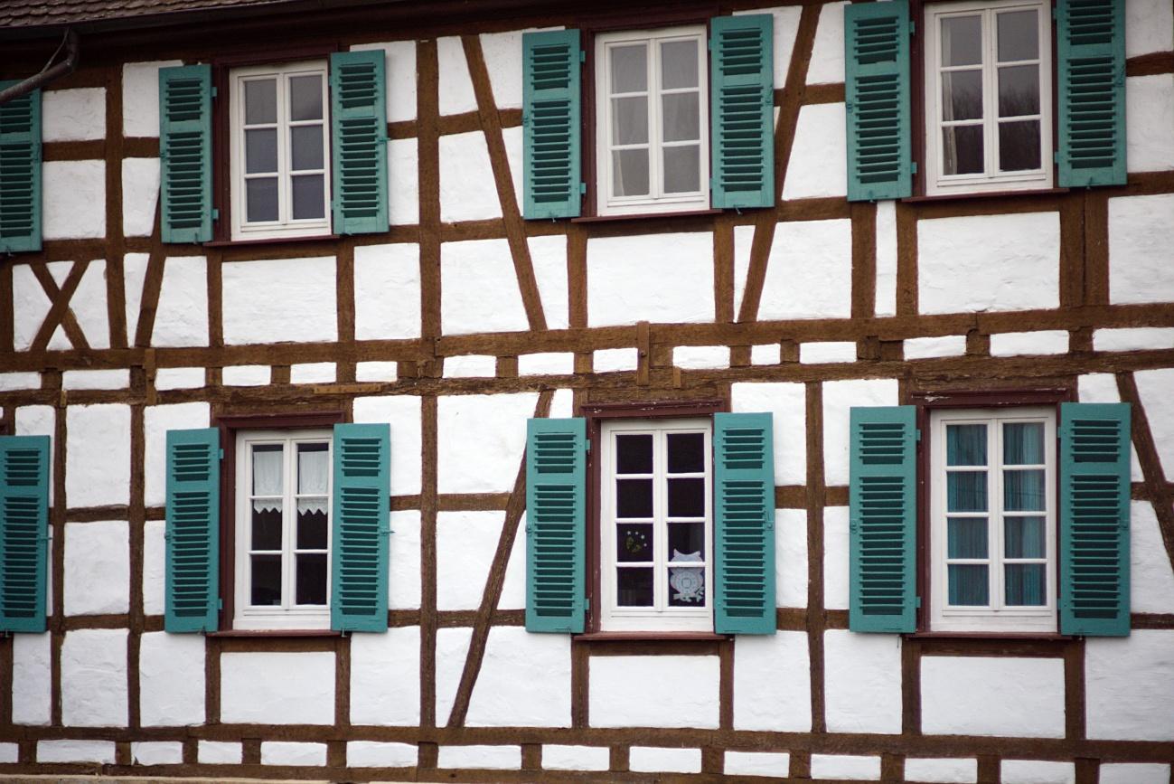 Fachwerk mit Fensterläden
