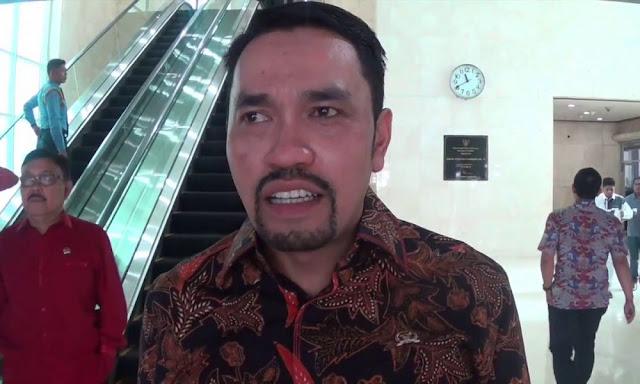 Anggota DPR: Bisa saja Pemerintah Bubar Gara-gara Rumor Doang