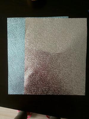 Foil con primer (azul) y en bruto