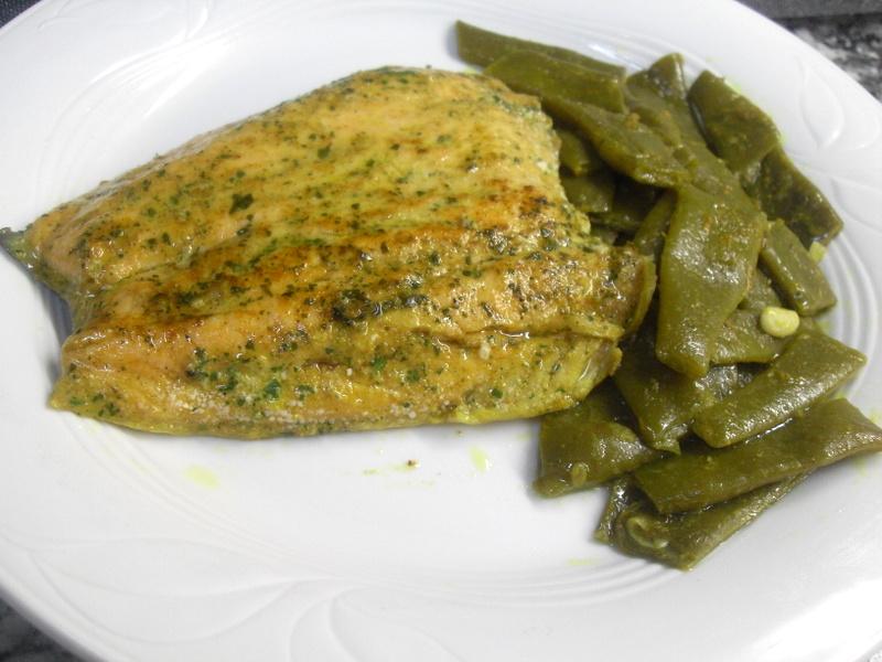 Salmón salvaje y judías verdes al curry.