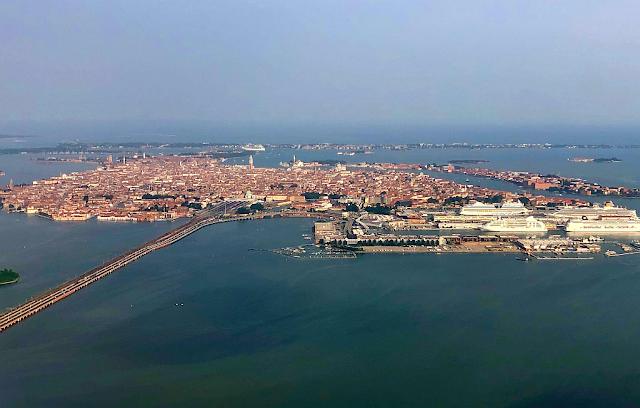 Záplavy v Benátkách. Vše co potřebujete vědět, acqua alta, aplikace