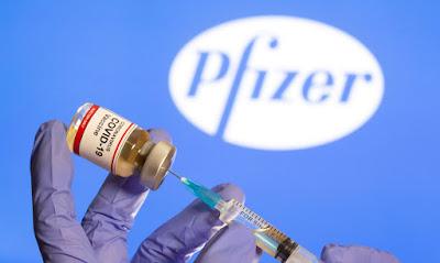 Governo federal assina memorando de entendimento com a Pfizer, empresa que desenvolve vacinas contra a covid-19.
