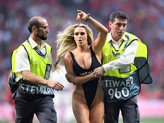 Semi nude Champions League final pitch invader Kinsey Wolanski jailed after failed attempt to invade Copa America final  (Photos)