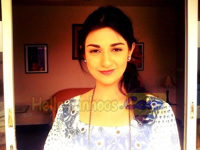 Sarah Khan Wiki, Age, Family, Husband, Boyfriend, Wedding, Biography