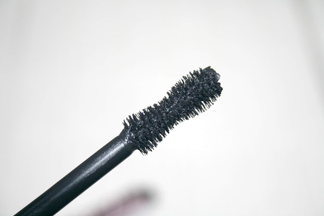 Too Faced Damn Girl Mascara