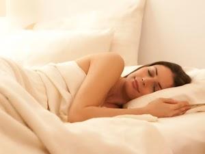 Jarang Yang Tahu, Tidur Dengan Cara Begini Bisa Menurunkan Berat Badan