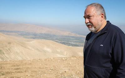 Liberman diz que Netanyahu disse ao rei da Jordânia que Israel não anexará o vale do Jordão