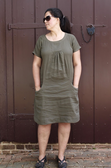 Linen dress made from the Lisette Portfolio/Simplicity 2245 sewing pattern.