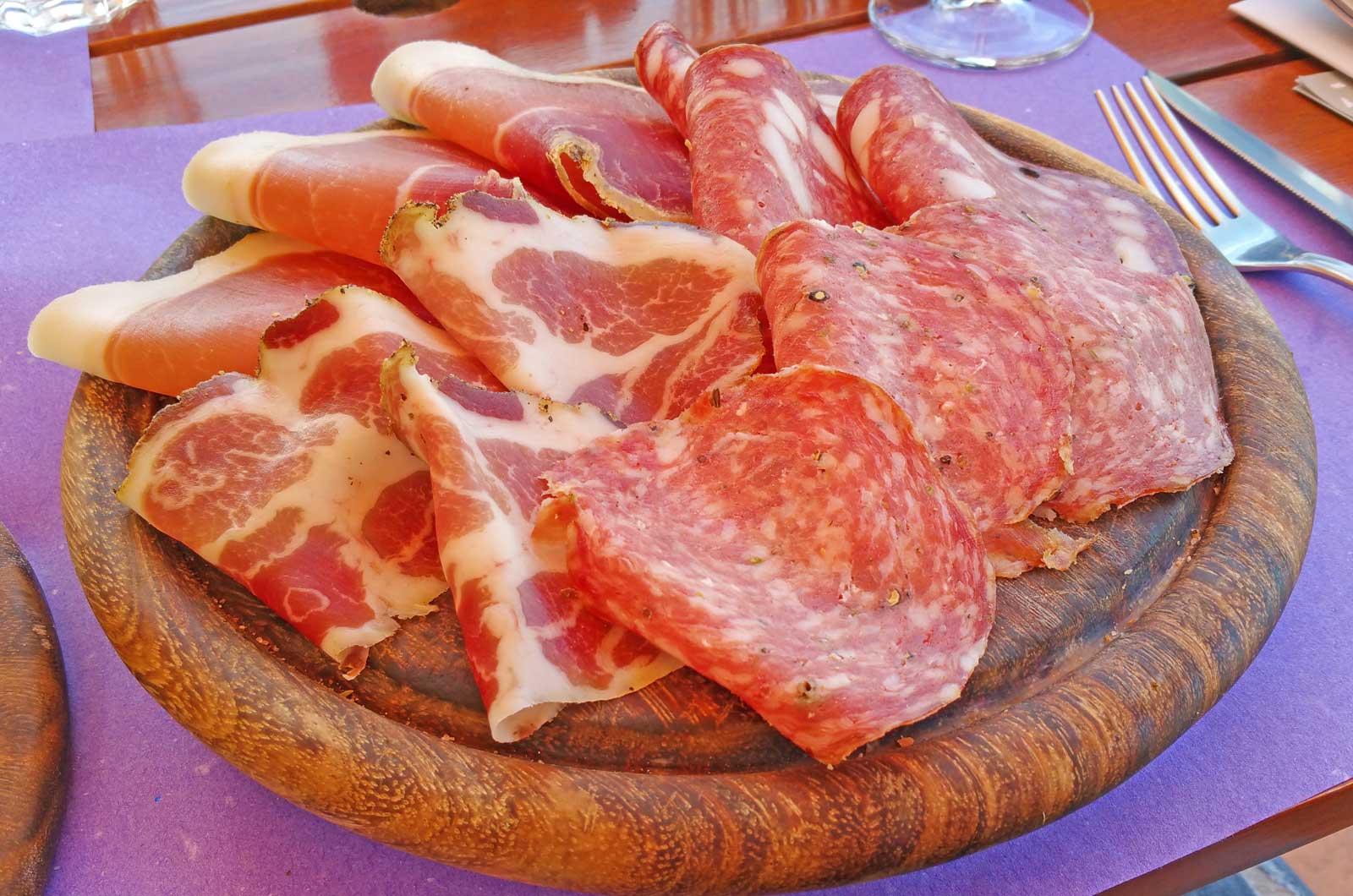 Najsłynniejsze dania kuchni toskańskiej. Co zjeść w Toskanii? Kuchnia Toskanii.