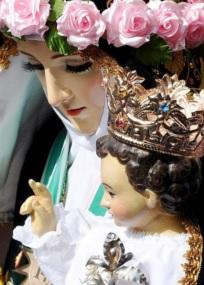 Imagen de nuestra Santa Rosa de Lima junto al niño Jesús