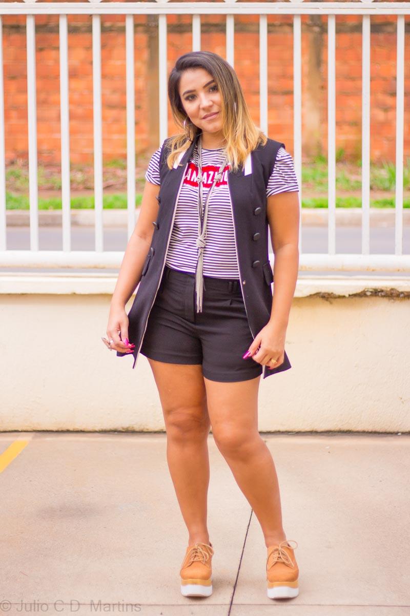 Usando o colete no fim de semana: shorts + colete