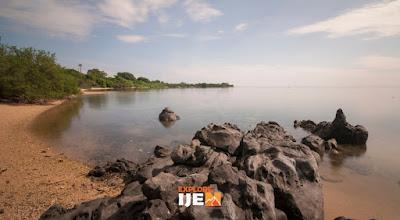 wisata pantai di pantai Bama Baluran