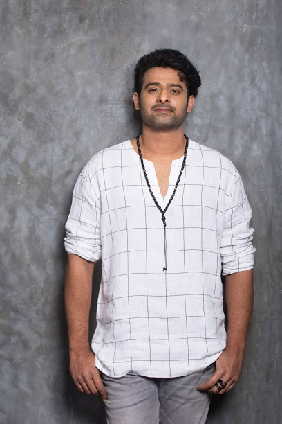 Young Rebelstar Prabhas ... Aralamakala Heat, Heat, Personality, Voice of Personality, Love Darling, Tollywood darling to everyone. Rebelster Krishnam Raju acted as an actress in the film 'Ishvar' and earned him all the time in his acting career. 'Yoga', 'Munna' 'Buzzzigadu' 'Billa', 'Ekinirjan', 'Darling', 'Mr. Perfect', 'Raghavendra', 'Rain', 'Jungle Rudu', 'Chakram', 'Chattrapathi', 'Poornima' , 'Rebel' and 'Mirchi' have made a sterling place in the hearts of all the audience and young Rebelstar Prabhas. But 'Baahubali the Beginning' released two years ago and has won the untold crap with 'Baahubali 2' which was released in April of this year. Prabhas is not in the difficult words of these two parts. Every step taken to reach the desired goal is effort, perseverance, initiation .. Prabhasini has reached close to millions. Box office bahubali .. Amartya Bahubali, a powerful and powerful man in the arms. Rajamouli knows that it is not easy to launch such a leader on the screen. Prabhas told the story when he prepared the story. Everything is okay. In the next two years, the Bahubali project wanted to bring the audience forward. But the rainders are five years old. For a period of five years, he did not think about another project to make a film with a commitment to think about another hero. But Prabhas was not thinking. Five years of quest for amazon. I do not like to do another film. He is the daughter of the quest, Rajamouli. The film was released in two parts, not only to the world of Telugu cinema, but also to the Telugu movie market. Prabhas fans and audience Amarendra Bahugali replied that Mahendra Bahubali was not in the form of the collections with the Mukku Kandakuns ... It is also a record of the two bahubali in the form of a sum of two and a half thousand crores of rupees gaining the film does not specifically mention the effect. The Telugu Cinema Market had a quarter of a month before Bahubali's release. The South Indian film has seen the underscence of the north and the nicknamed the collections scattered. Everyday release of the film has been recovered. This year, Bahubali received more than 100 crores in Tamil, Kannada and Malayalam languages and has earned over Rs 700 crores in South alone. Also, Rs 520 crore has been collected in the North. In the rest of the countries, the second part only earned Rs. 1700 crores. Bahubali first collected 700 crores of rupees. Is this the world cinema that has a big market for Telugu cinema? What is the original Baahubali film? Prabhas? Prabhas is the box office of the box office, The Telugu film level and the market has risen in the range, before the movie Baahubali. The film achieved super success in many countries, including internationally, China. Prabhas is the hero of Bahubali. Bahubali 2 became an international hero. With the advent of Rajamouli and Prabhasakutty, the movie sensations did not get too short. In many countries, the film became an international hero by performing this film. Everybody knows that Bahubali has created a wasteland around the world. Prabhas has earned the reputation as a Universal hero. Once in the Bollywood movie, But now Prabhas's performance has become Bollywood audience. Fancy Offers announcing that Bollywood's leading production companies act as Prabhas in Hindi is to follow him. Prabhas has also gained popularity in other languages as well as films that have commercial success in Telugu as well as social media and dubbed versions of superhit films. International recognition is a rare honor Prabhas Wan image of the famous Indian actor Bahubali in India's highest grossing Indian film history has been enshrined in the Tusadas Museum in Madagascar in 2017. Artists Prabhas, who came from Madame Tussaud Museum to create Prabhas's image, originally created 350 photographs in Hyderabada, taking his physical measurements and creating an image similar to the attire of the Bahubali film and restored to the Madam Tusad Museum of the same name. The wax statue, which gained a place in the world of artists, has been a distinctive feature from March 2017 at Madame Tussaud Museum. Prabhas was the third Indian to win the honor after Prime Minister Narendra Modi's wax statue in April 2016. Prabhas is now a national actor, earning many fans and accolades. Show everyone .. 'Sawo' Young Rebelstar Prabhas Range was changed with amazement. After Bahubali 2, Prabhas will be producing 'Soho' with high technical scores with '150 crore budget' in Telugu, Tamil and Hindi. The film was released by Alaridi Teaser,