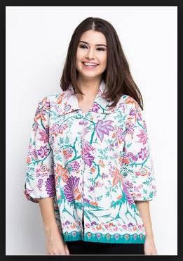 Desain model baju batik wanita kombinasi kain polos