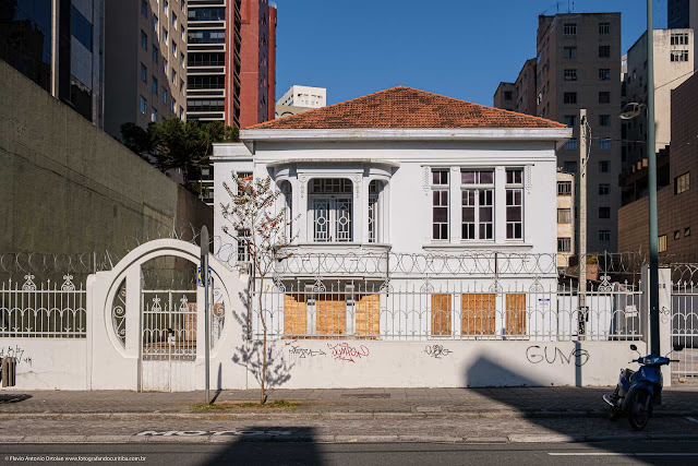 Casa na Alameda Doutor Carlos de Carvalho