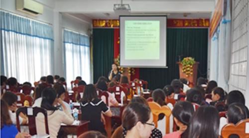 Tập huấn chăm sóc sức khỏe răng miệng trẻ em cho cán bộ phụ trách công tác y tế trường học