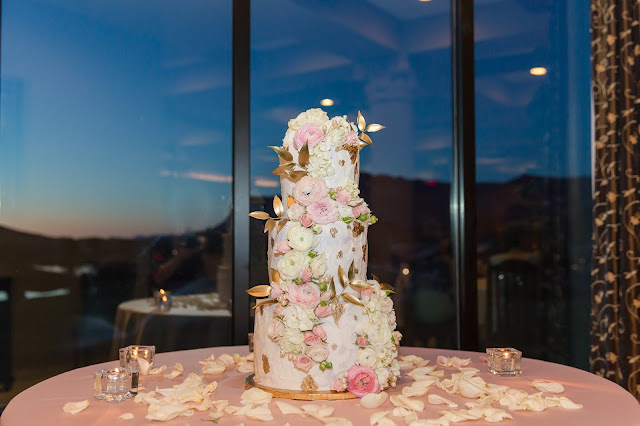 Wedding Cake at The Views at Superstition Wedding Venue